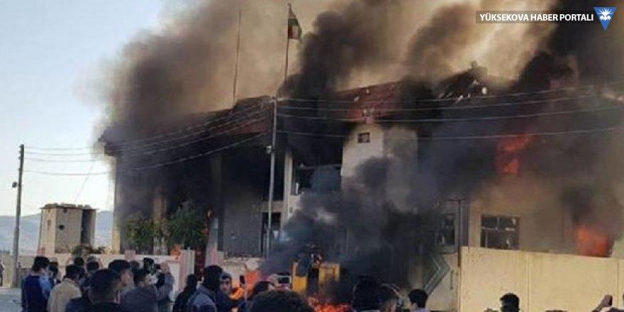 Irak Kürdistan Bölgesel Yönetimi'nde protestolar: Parti binaları ateşe verildi