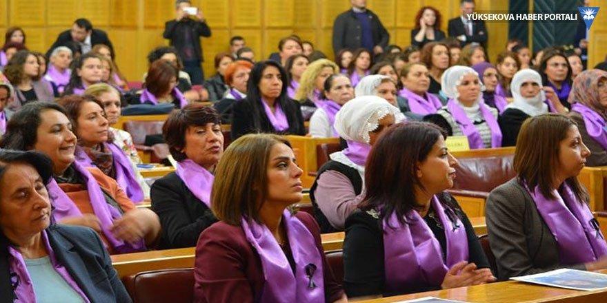 HDP'de eş başkanlık düğümünü kadınlar çözecek!
