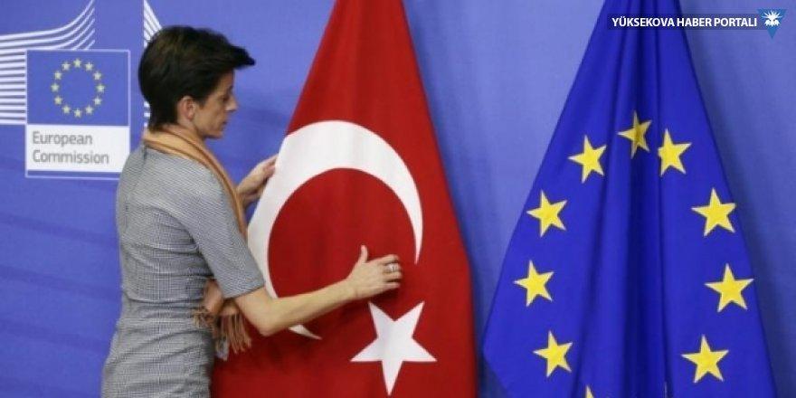 AB: Gazeteciler hapiste olduğu sürece Türkiye ile ilişkiler gelişmez