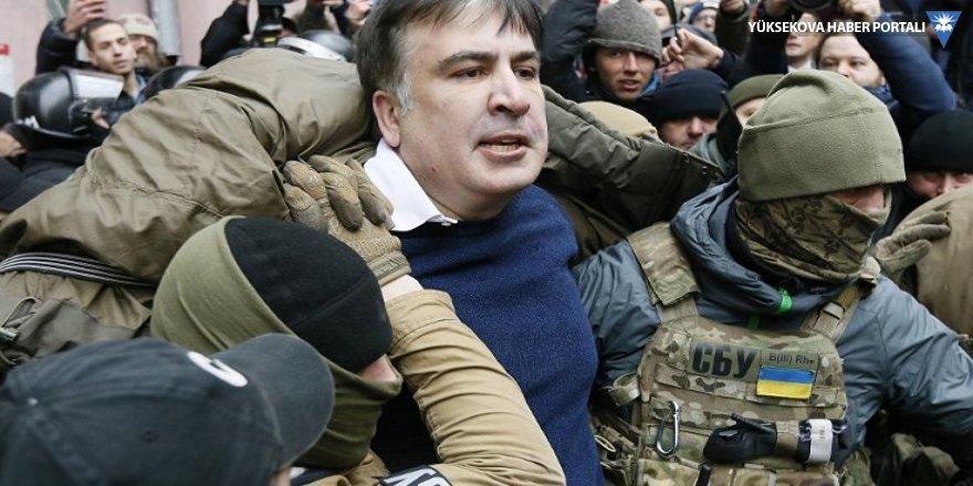 'Saakaşvili'yi maskeli kişiler kaçırdı!'