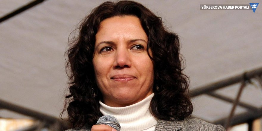 Selma Irmak: Kim çözümden yana?