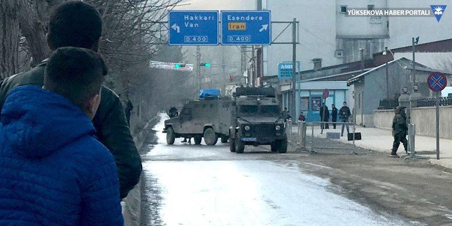 Yüksekova'da şüpheli paket fünye ile patlatıldı
