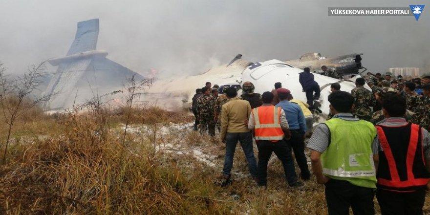 Nepal'de yolcu uçağı düştü