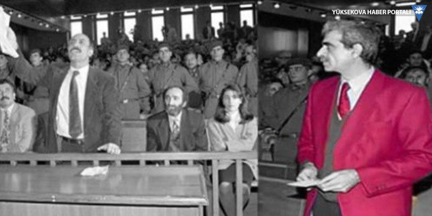 Ahmet Türk'ün kırmızı ceketi