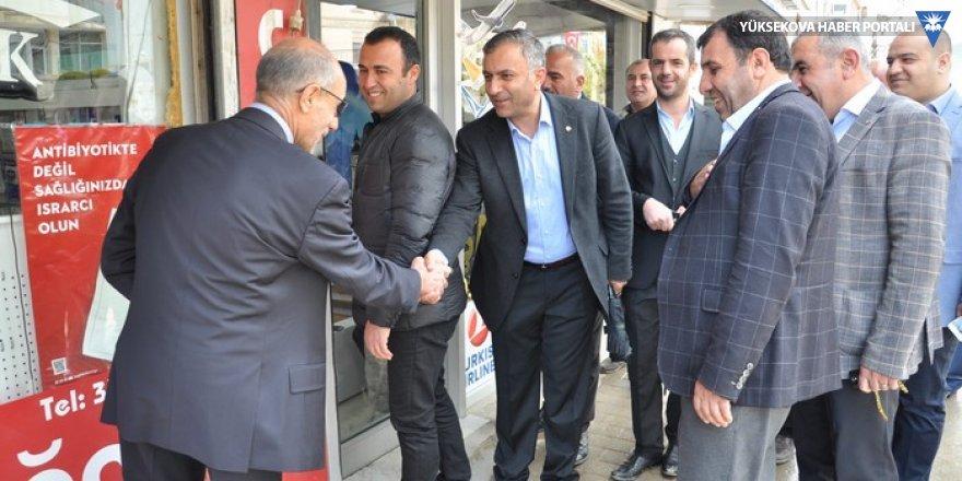 YÜTSO adayı Özdemir, esnafı ziyaret etti
