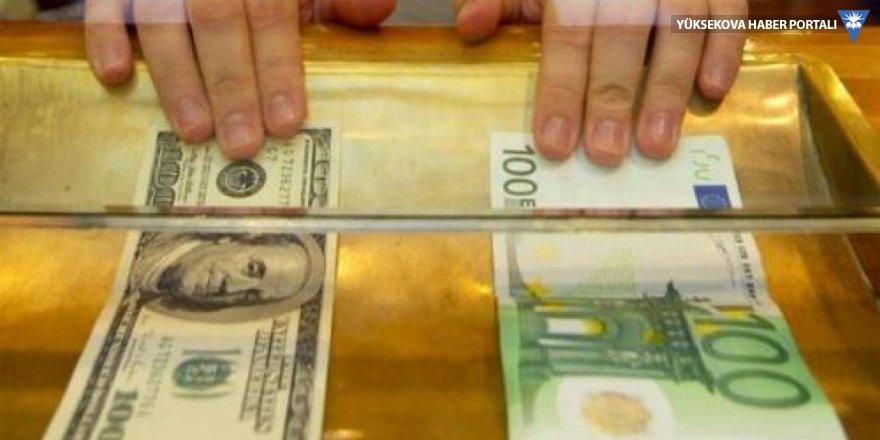 Dolar ve euro haftaya tarihi rekorla başladı
