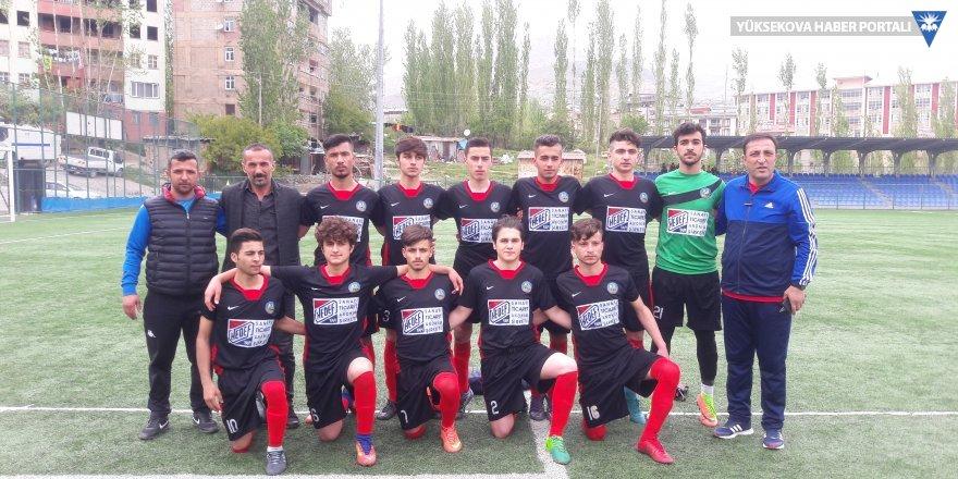 Yüksekova U15 futbol takımı il şampiyonu oldu