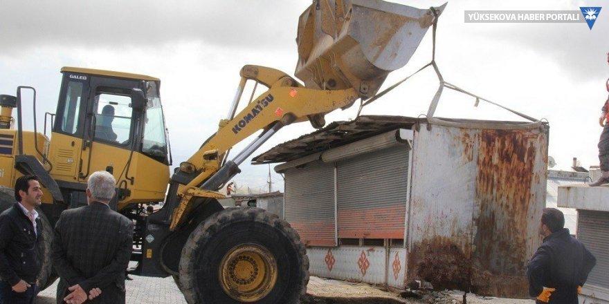 Başkale'deki barakalar tek tek kaldırılıyor