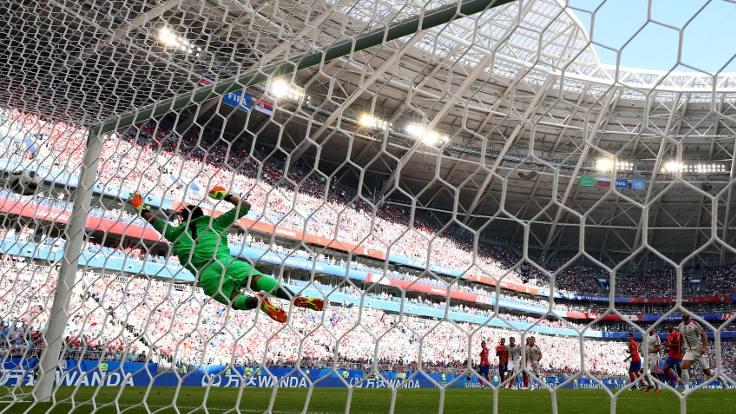 Sırbistan, Kolarov'un golüyle kazandı