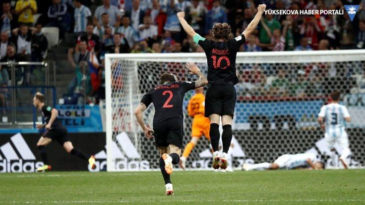 Hırvatistan Arjantin'i farklı yendi