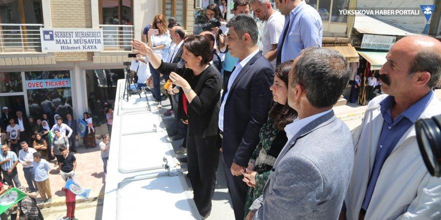 Şemdinli'deki halk buluşması mittinge dönüştü