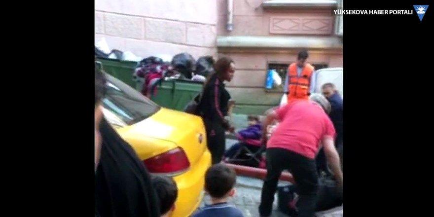 Taksici kadın turisti aracından attı
