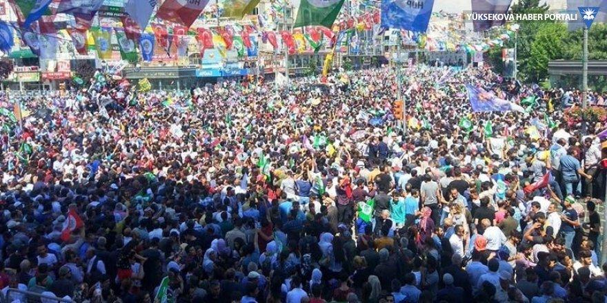 HDP'nin Van mitingine yüz binler katıldı