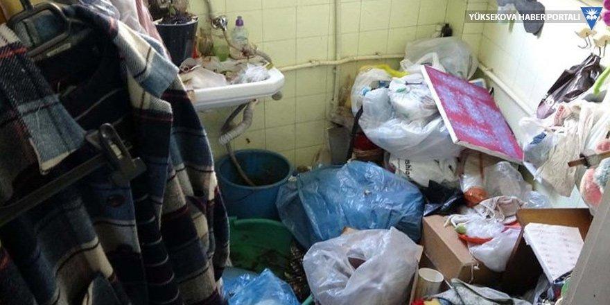 Deniz manzaralı evden 8 ton çöp çıktı