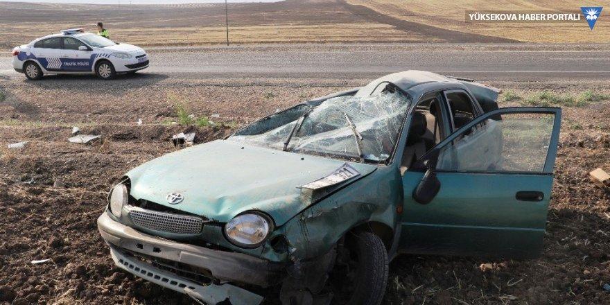 Lastiği patlayan otomobil takla attı: 5 yaralı