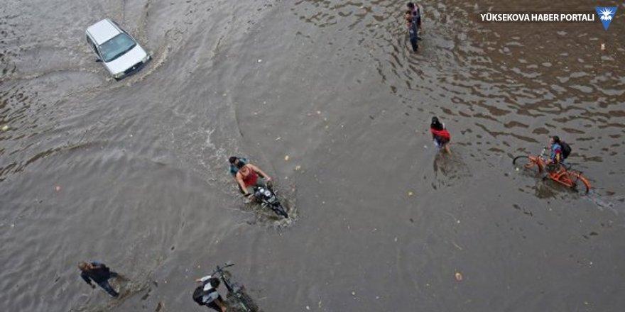 Hindistan'da muson yağmurlarından ölenlerin sayısı 511'e çıktı