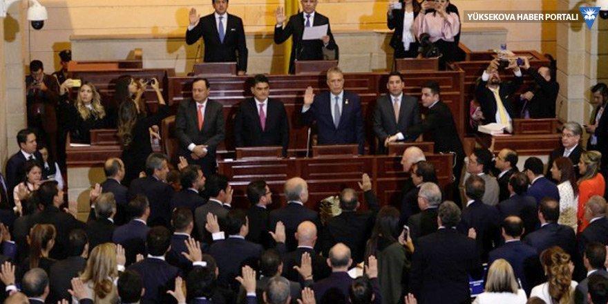Kolombiya: Eski gerillalar kongrede yemin etti