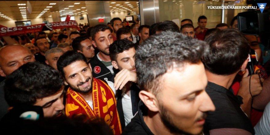 Emre Akbaba, Galatasaray için İstanbul'da
