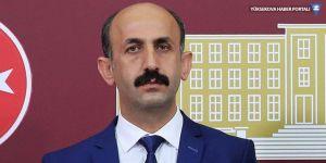 Akdoğan, Yüksekova'daki 'ölüm virajı'nı sordu