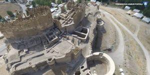 Tarihi Hoşap Kalesi'nde kazı çalışmaları başladı