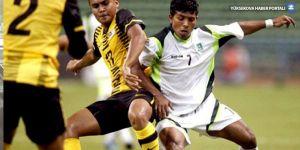 Pakistan bütün futbol organizasyonlarından men edildi