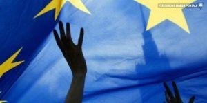Şimdiki demokrasi Avrupalıları kesmiyor