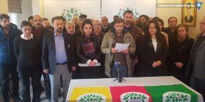 Anadil yasakları Van'da protesto edildi