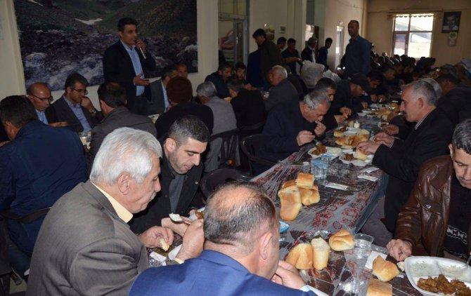 Hakkari'de HDP heyeti, kanaat önderleriyle bir araya geldi