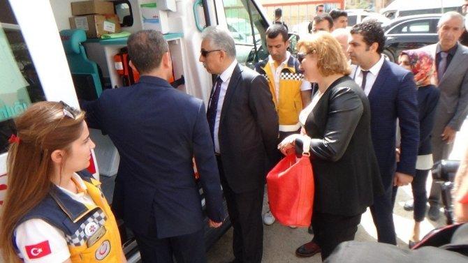 Hakkari'ye 3 yeni ambulans