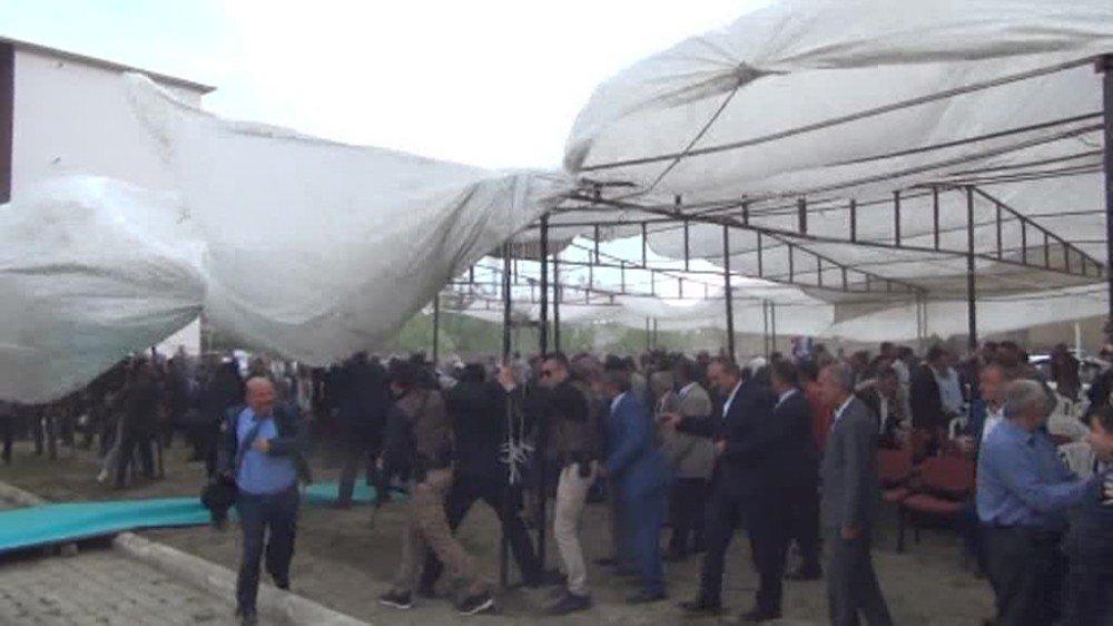 Van'da Diyanet İşleri Başkanı Görmez ve davetliler ölümden döndü