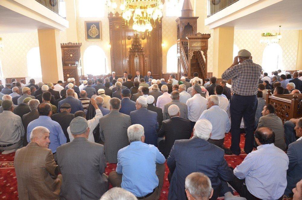 Yüksekova'da cami açılışı