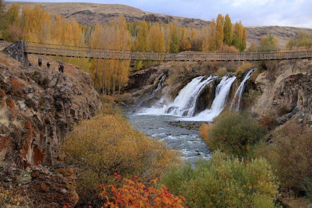Muradiye'de sonbahar güzelliği