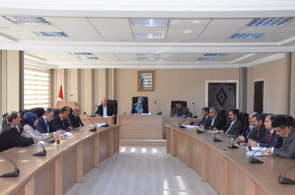 Hakkari İl Genel Meclisi, 2018 bütçesini görüşüyor