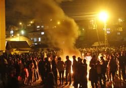 Hakkari'de ilk Newroz ateşi yakıldı