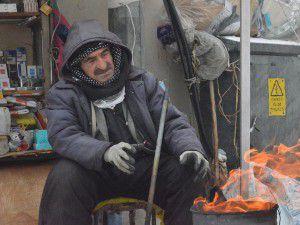 Yüksekova'da aşırı soğuklar hayatı felç etti