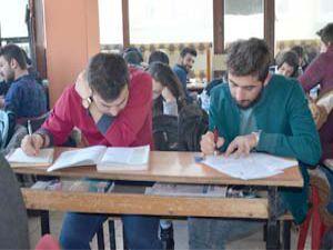 Yüksekovalı öğrenciler YGS'ye Yüksekova'da girmek istiyor